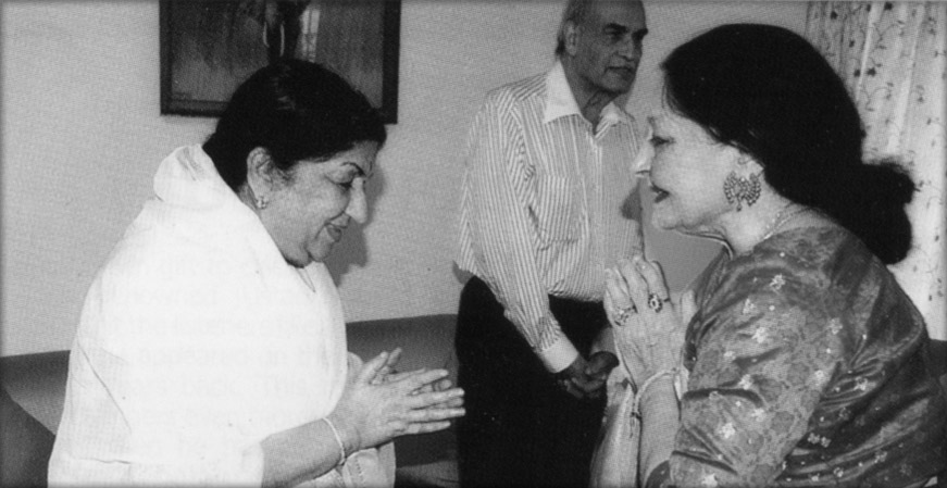 Lata Mangeshkar, Farida Khanum & Bobby Sethi